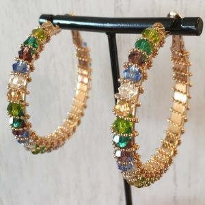 Jewelry - 🔴SALE🔴 Large Crystal Gold Toned Hoop Earrings